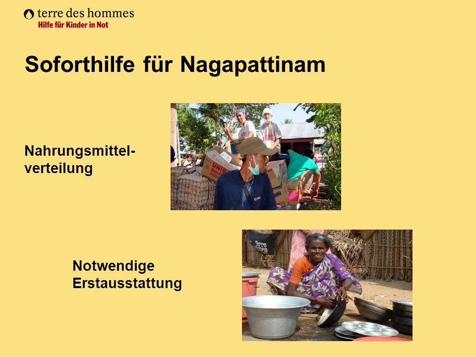 Nahrungsmittel- verteilung Soforthilfe für Nagapattinam Notwendige Erstausstattung