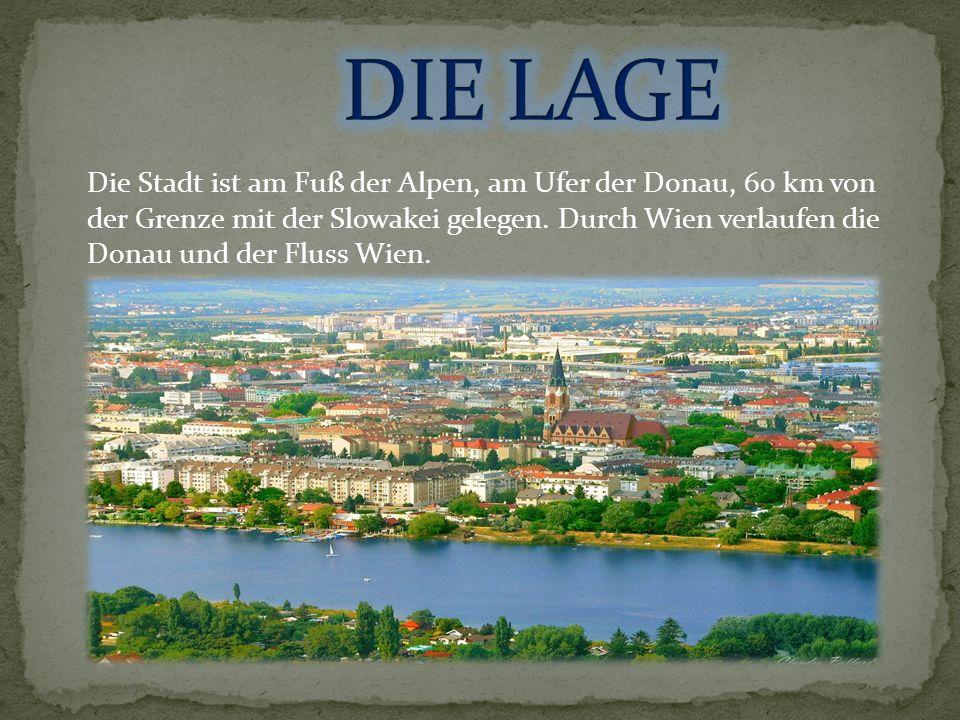 Die Stadt ist am Fuß der Alpen, am Ufer der Donau, 60 km von der Grenze mit der Slowakei gelegen.