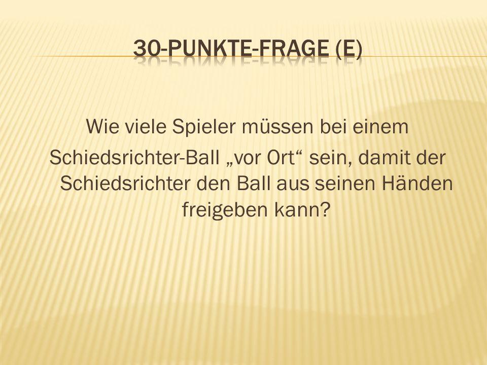Wie viele Spieler müssen bei einem Schiedsrichter-Ball vor Ort sein, damit der Schiedsrichter den Ball aus seinen Händen freigeben kann?