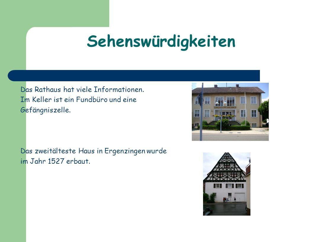 Sehenswürdigkeiten Das Rathaus hat viele Informationen.
