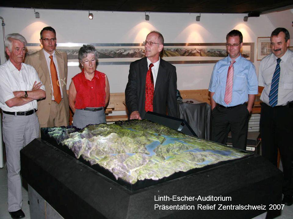 Projekt Glarus2011 Linth-Escher-Auditorium Präsentation Relief Zentralschweiz 2007