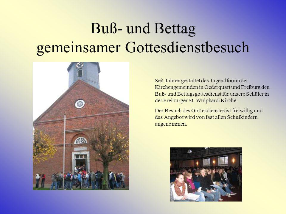 Projekt Alt + Jung Mehrmals im Jahr treffen sich Schülerinnen und Schüler der Haupt- und Realschule Kehdingen, um mit dem Altenvormittagskreis der Kirche ein gemeinsames Programm zu gestalten.