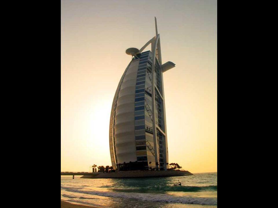 Hotel Bu Burj al-Arab a Dubai Hotel Burj al-Arab in Dubai Il più alto hotel del mondo. Il più coistoso hotel del mondo. Lunico hotel con 7 stelle. Cos