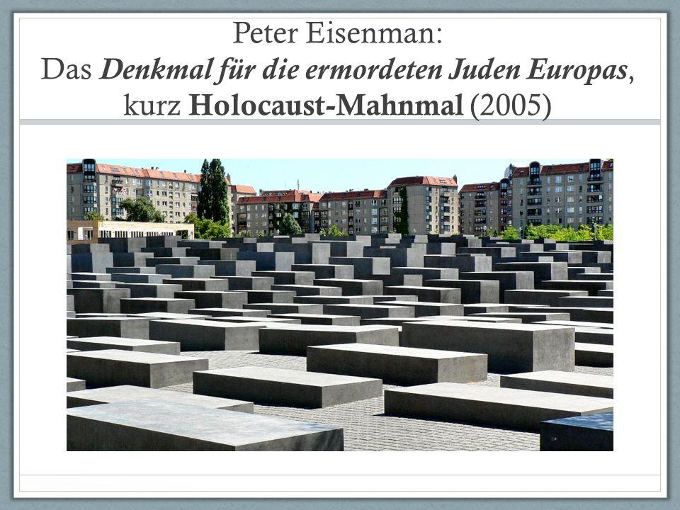 2711 Blöcke aus Beton in parallelen Reihen aufgestellt (eine Art Stelen) Grabsteine (die Zahl hat keine symbolische Bedeutung).