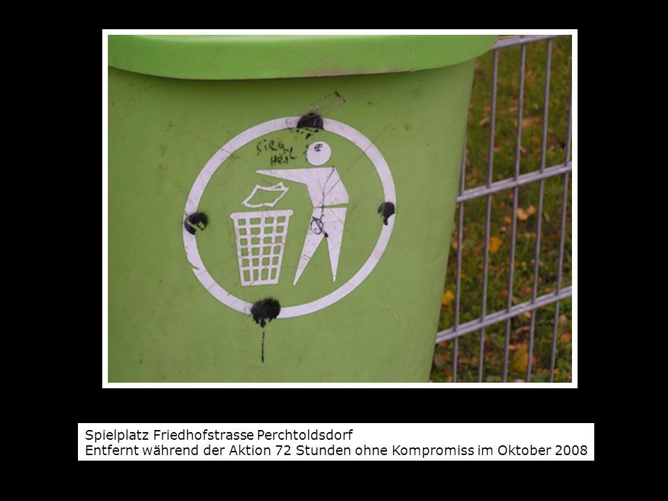 Spielplatz Friedhofstrasse Perchtoldsdorf Entfernt während der Aktion 72 Stunden ohne Kompromiss im Oktober 2008