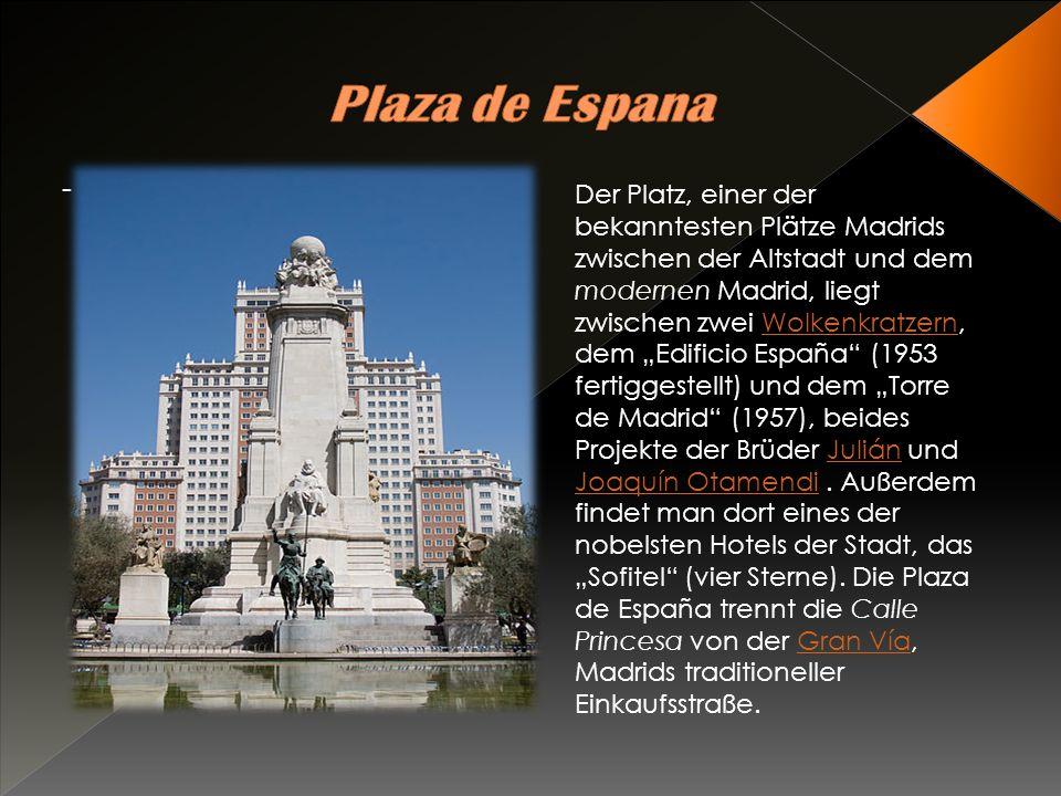 Das Casa de Correos stammt aus dem Jahr 1768 und dient heute als Regierungssitz der Region Madrid.
