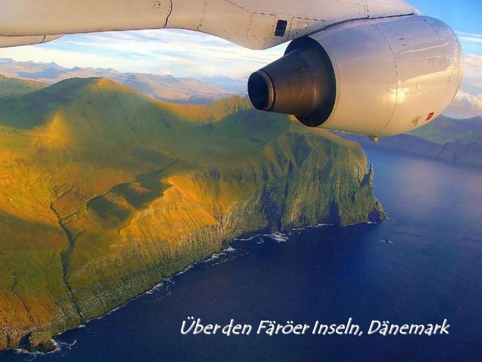 Über den Färöer Inseln, Dänemark