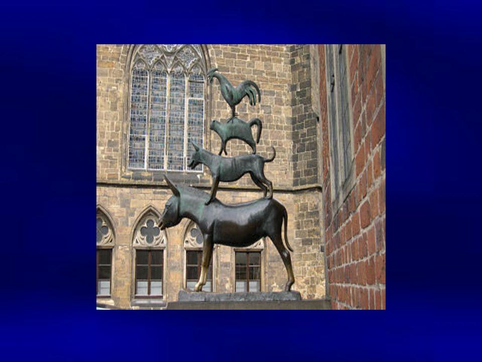 Auf dem Marktplatz steht auch eine Statue von vier weltbekannten Bremern: den Bremer Stadtmusikanten. Von ihnen wird in einem Märchen der Gebrüder Gri