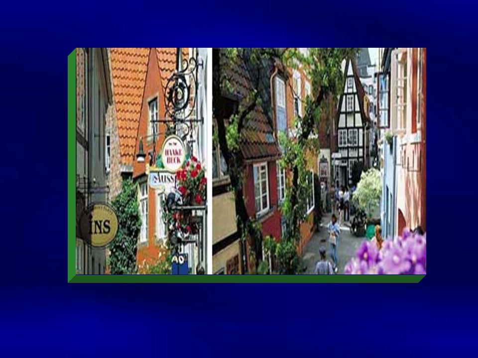 Eine weitere interessante Attraktion von Bremen ist der Schnoor. Im Mittelalter lebten in diesem Wohnviertel Handwerker und Fischer. Viele Häuser stam