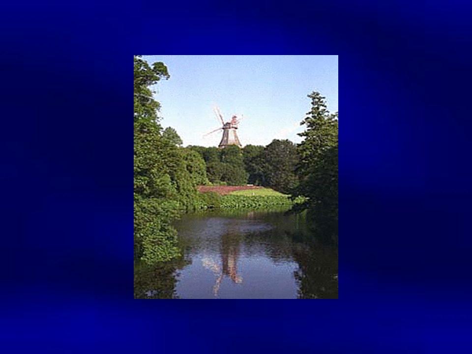 Insgesamt 5 klassische Windmühlen haben die rauen Zeiten Bremens überlebt. Die wohl berühmteste ist die Windmühle am Wall, deren Flügel bis 1950 noch