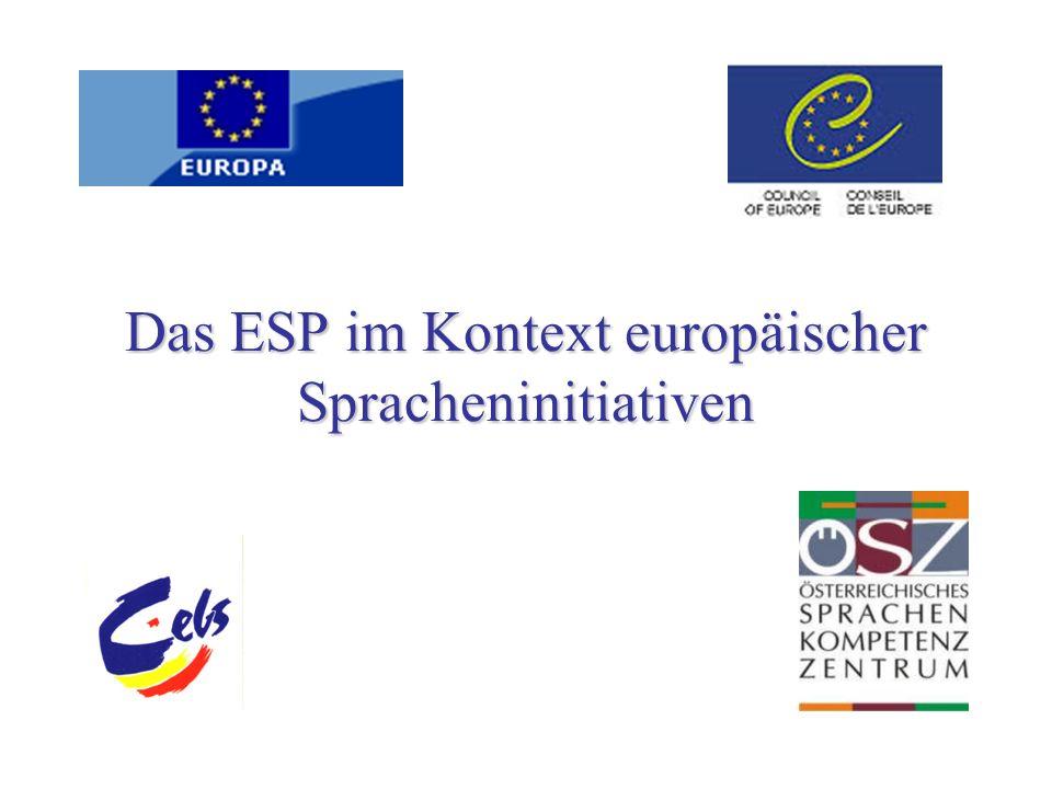 Die sprachenpolitischen Ziele des Europarats Die sprachenpolitischen Ziele des Europarats Strassburg Empfehlung des Ministerkomitees R (82) 18 und R (98) 6 … zu Mehrsprachigkeit auf breiter Ebene führen durch … zu Mehrsprachigkeit auf breiter Ebene führen durch a.das Setzen von Standards und von Maßnahmen, die die Qualität des Lehrens und Lernens verbessern; b.die Bereitstellung von Hilfe, wenn es darum geht, dass Mitgliedsstaaten ihre Sprachenpolitik kritisch untersuchen, besonders unter dem Aspekt der Vielfalt von Formen und Methoden des Spracherwerbs.