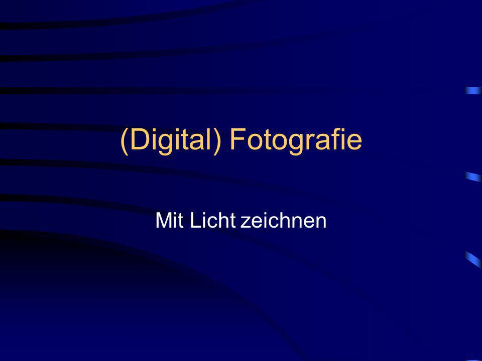 (C) Jürgen Röslin 2003 Analog- / Digitalkamera Sucher Fotogehäuse Objektiv Fokusierung Filmempfindlichkeit Verschluß / Blende Bildmedium
