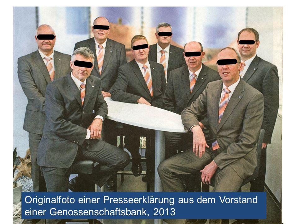 Originalfoto einer Presseerklärung aus dem Vorstand einer Genossenschaftsbank, 2013