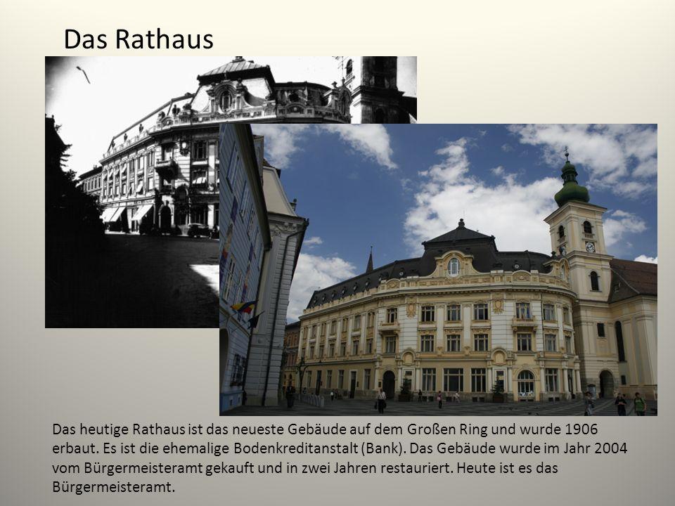 Das Rathaus Das heutige Rathaus ist das neueste Gebäude auf dem Großen Ring und wurde 1906 erbaut. Es ist die ehemalige Bodenkreditanstalt (Bank). Das