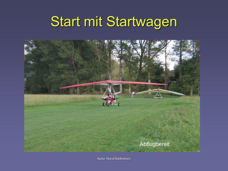 Autor: Horst Barthelmes Ausklinken Nach dem Ausklinken des Schleppseils durch den Hängegleiterpiloten, drehen das Schleppflugzeug leicht nach links und der Hängegleiter nach rechts ab (ca.