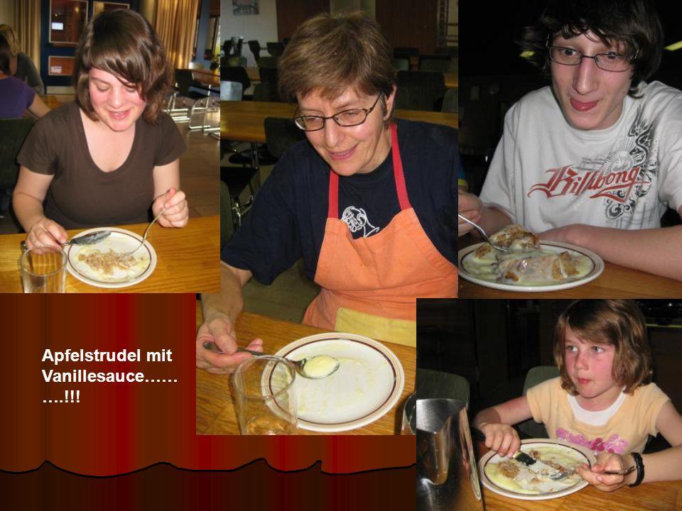 Apfelstrudel mit Vanillesauce…… ….!!!