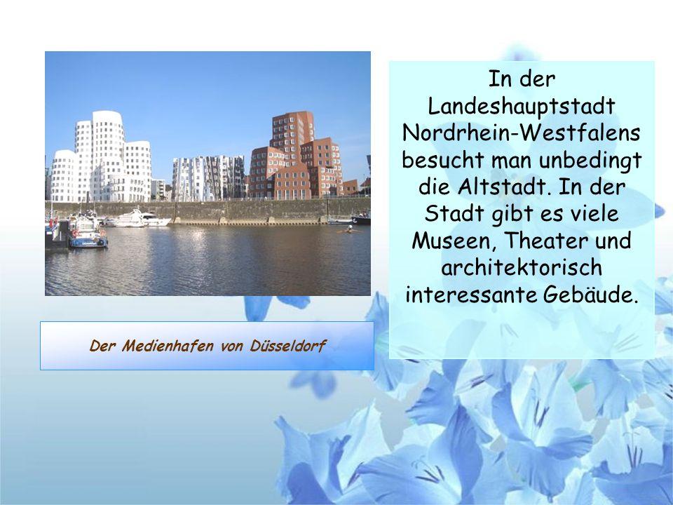 Der Medienhafen von Düsseldorf In der Landeshauptstadt Nordrhein-Westfalens besucht man unbedingt die Altstadt. In der Stadt gibt es viele Museen, The