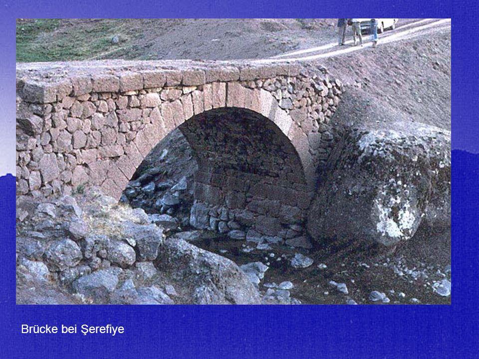 Brücke bei Şerefiye