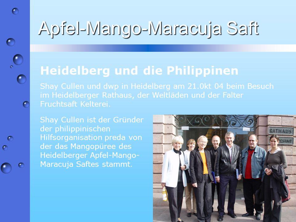 Apfel-Mango-Maracuja Saft Heidelberg und die Philippinen Shay Cullen und dwp in Heidelberg am 21.0kt 04 beim Besuch im Heidelberger Rathaus, der Weltl