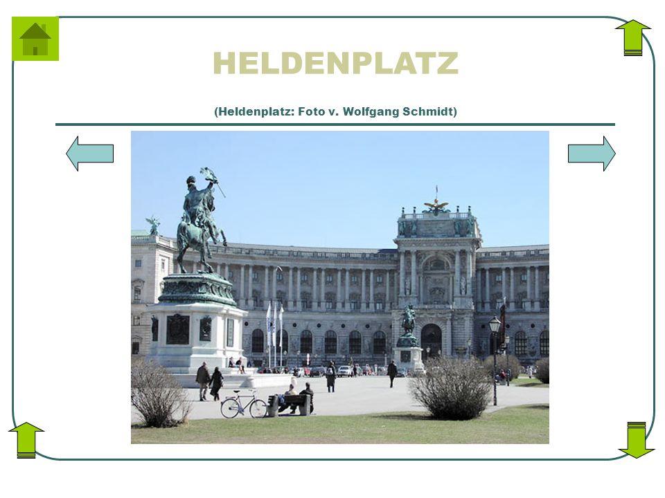 HELDENPLATZ (Heldenplatz: Foto v. Wolfgang Schmidt)