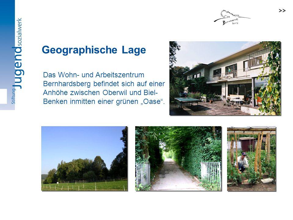 Das Wohn- und Arbeitszentrum Bernhardsberg befindet sich auf einer Anhöhe zwischen Oberwil und Biel- Benken inmitten einer grünen Oase.