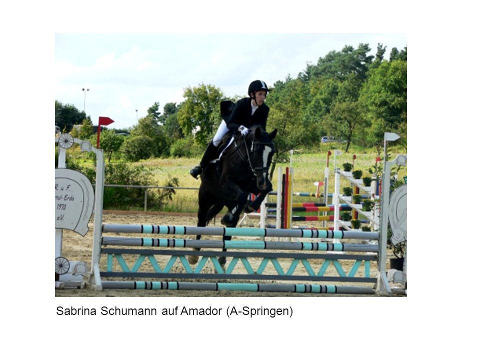 Sabrina Schumann auf Amador (A-Springen)