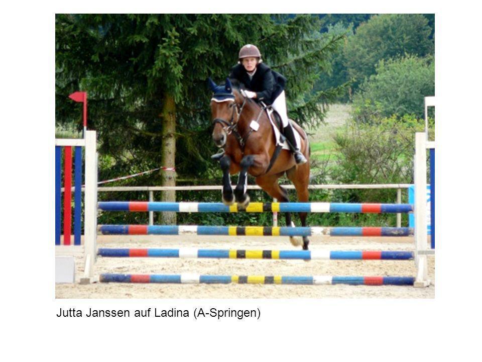 Jutta Janssen auf Ladina (A-Springen)