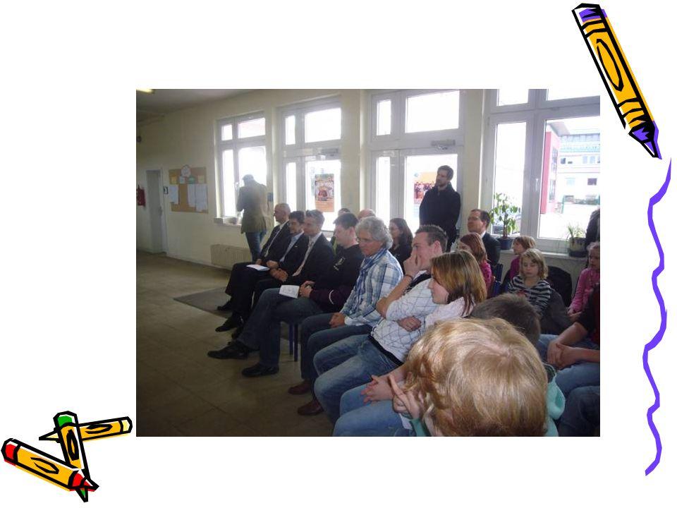 Schulleben/Verflechtung mit dem schulischen Umfeld Schulsanitäter (Partizipation)