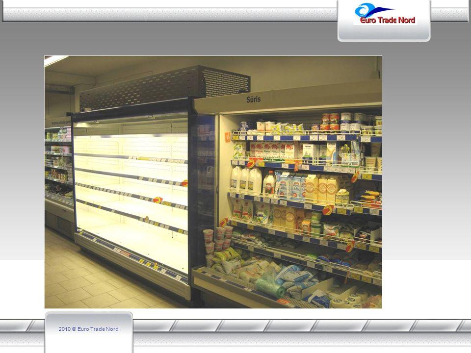 Der Unterschied zwischen gängigen steckerfertigen Geräten ist, es dass das Aggregat oben steht und somit keine Wärme in den Kühlraum gelangen kann und die Arbeitsweise des Kühlregals nicht beeinträchtigt wird.