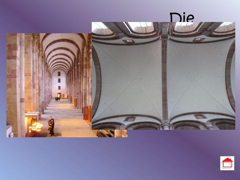 Die Seitenschiffe Höhe der Seitenschiffe: 14,40m Tonnengewölbe Kreuzgewölbe