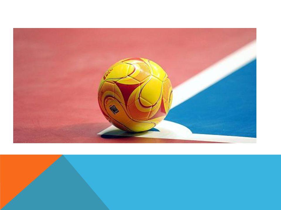 BESONDERE SPIELREGELN Torabstoß: Ball wird ins Spiel geworfen.