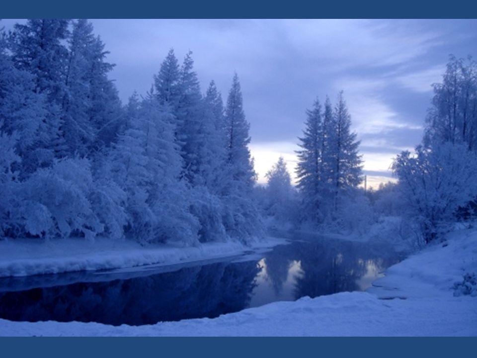 Interessant, was der Ortsname Oymyakon bedeutet: Wasser, das nie gefriert. Oymyakon ist von hohen Bergen umgeben, die den Wind abhalten, so werden die