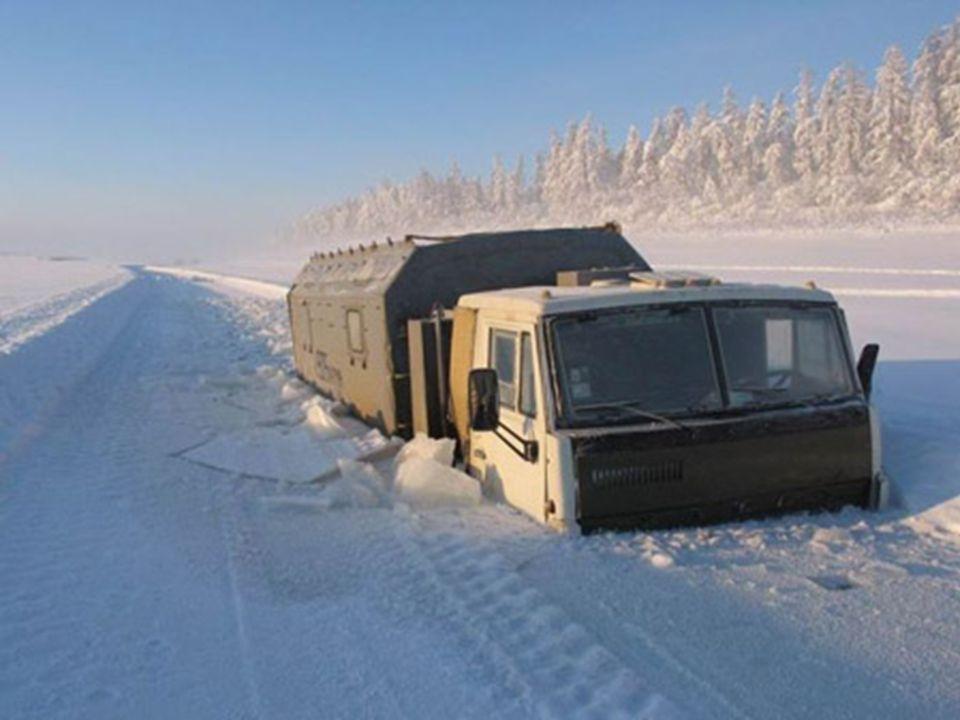 Die Strasse nach Oymyakon wurde unter Stalin gebaut, von Sträflingen und politischen Gefangenen. Mehrere Tausend sind während dem Bau gestorben und si