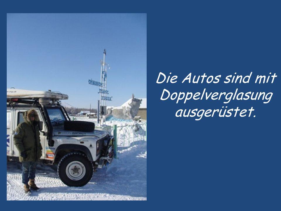 Im Winter bleiben sogar Lastwagen in den Schneemassen stecken und im Sommer wird die Strasse zum Sumpfgebiet.