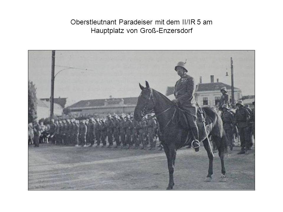 Oberstleutnant Paradeiser mit dem II/IR 5 am Hauptplatz von Groß-Enzersdorf