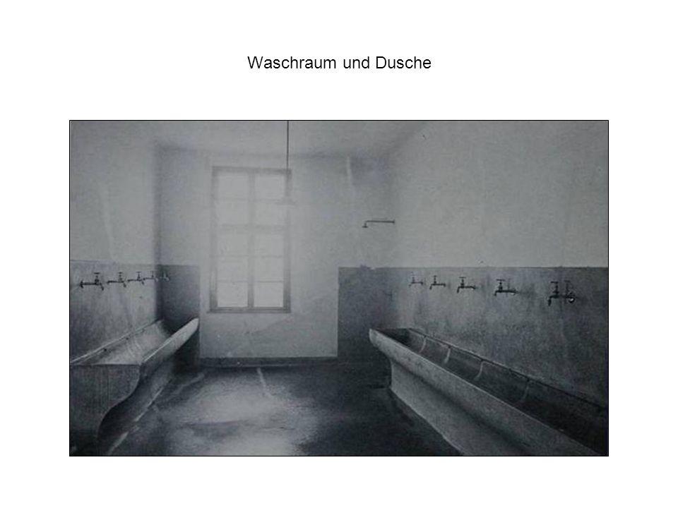 Waschraum und Dusche