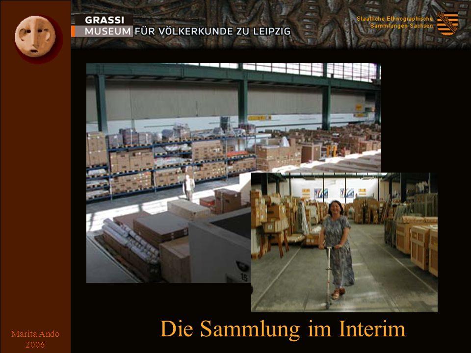 Marita Ando 2006 Der Umzug Sammlung: 8000 Transporteinheiten (von der Textilkiste über Schwerlastpaletten bis zum Einzelkarton) Mai 2001 bis August 2002 Bibliothek: ca.