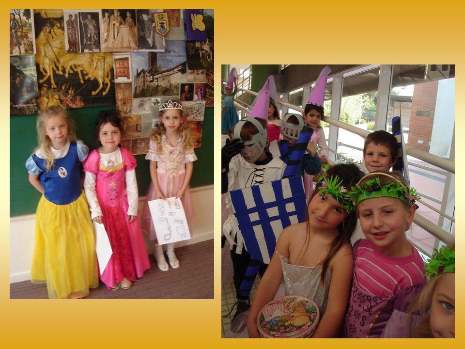 Am 16. September herrschte große Aufregung im Kindergarten, durch die Eingangstür spazierten elegante Hofdamen, Prinzessinnen, sogar Aschenputtel, Sch