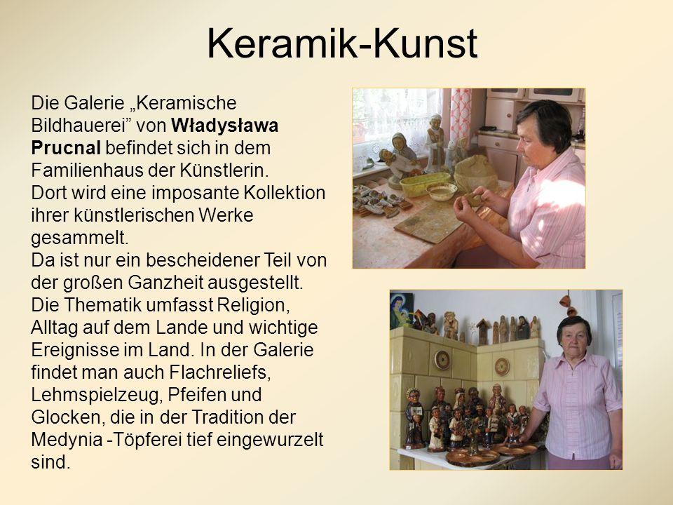 Keramik-Kunst Die Galerie Keramische Bildhauerei von Władysława Prucnal befindet sich in dem Familienhaus der Künstlerin.