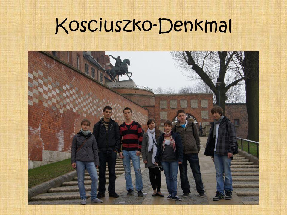 Denkmal von Tadeusz Ko ś ciuszko Im Jahr 1960 wurde das einzige Denkmal in Polen, rekonstruiert von der deutschen Seite, und als Geschenk von den Bewohnern von Dresde