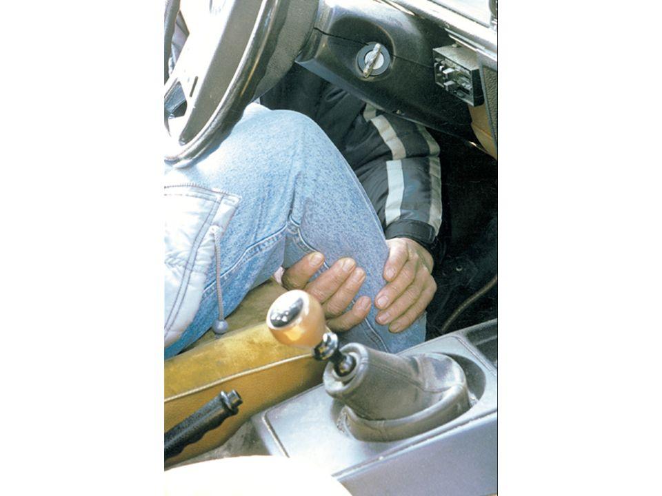 Motor abstellen Kontrollieren ob die Beine frei sind