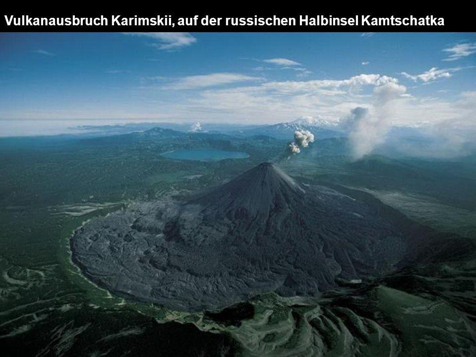 Vulkanausbruch Karimskii, auf der russischen Halbinsel Kamtschatka