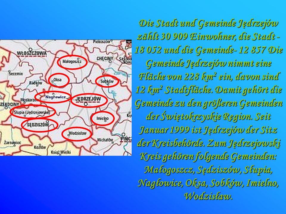 Die Stadt und Gemeinde Jędrzejów zählt 30 909 Einwohner, die Stadt - 18 052 und die Gemeinde- 12 857 Die Gemeinde Jędrzejów nimmt eine Fläche von 228