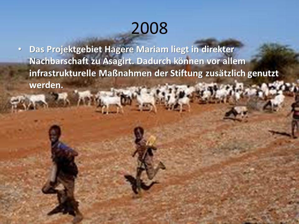2008 Das Projektgebiet Hagere Mariam liegt in direkter Nachbarschaft zu Asagirt. Dadurch können vor allem infrastrukturelle Maßnahmen der Stiftung zus