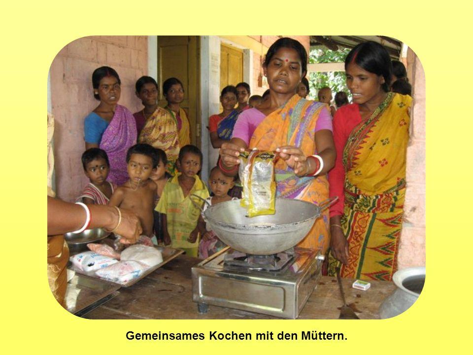 Gemeinsames Kochen mit den Müttern.