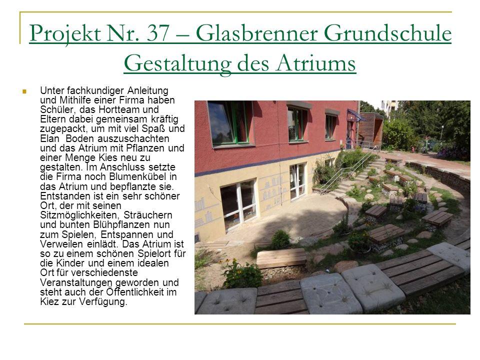 Projekt Nr. 30 – Kurt Schumacher Schule Begrünung des Schulgartens Die Gruppe baute die zum Teil zerstörte Kräuterspirale wieder auf. Seit Anfang Mai
