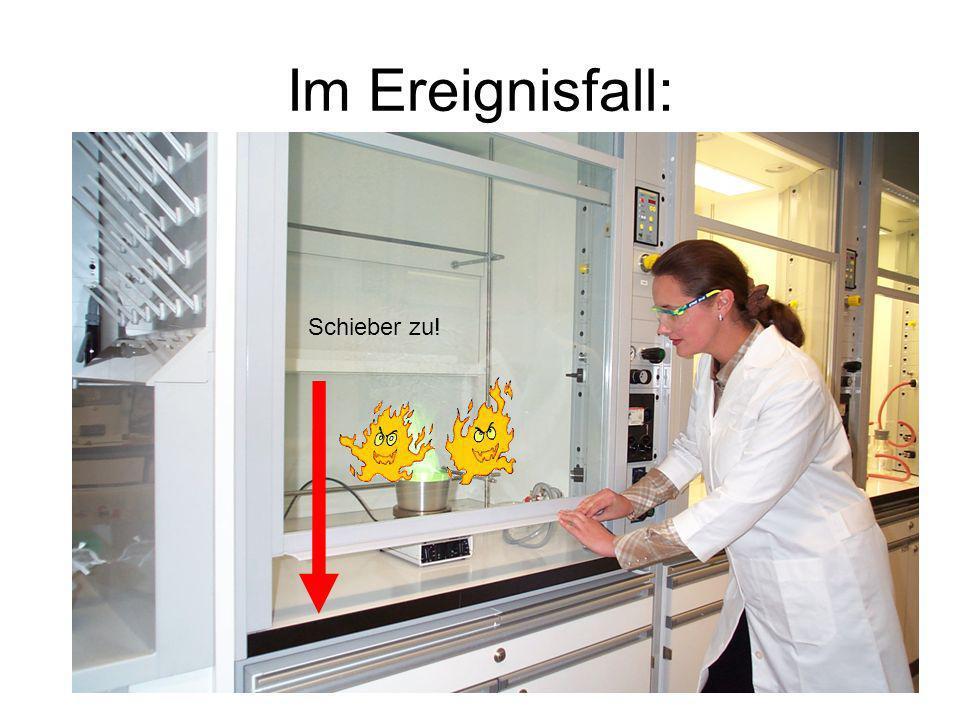 Im Notfall: Alarmierung: Tel 888 Melde-Schema: Wer meldet.