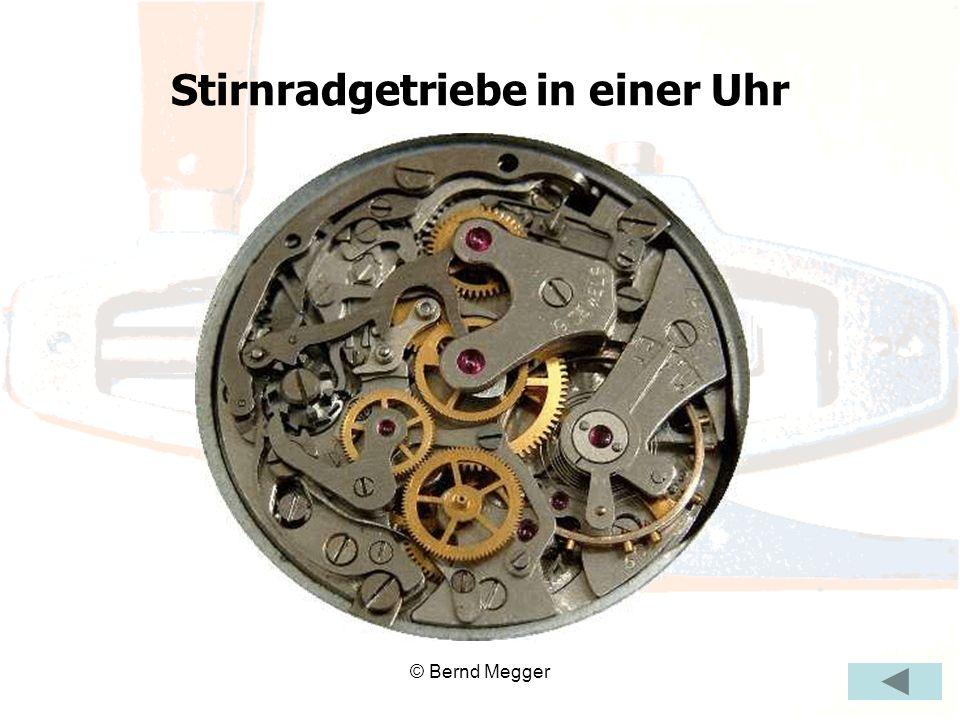 © Bernd Megger Stirnradgetriebe in einer Uhr