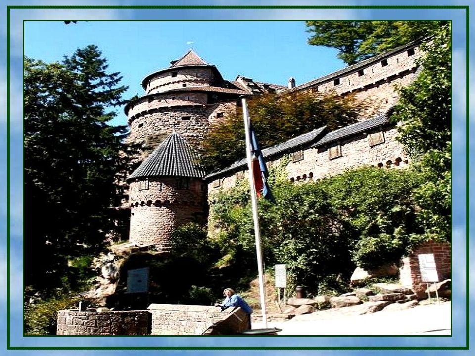 Im 13. Jahrhundert wurde der Herzog von Lothringen Eigentümer der Burg, der sie als Lehen den Grafen von Werd gab. 1359 verkauften die Grafen von Oett