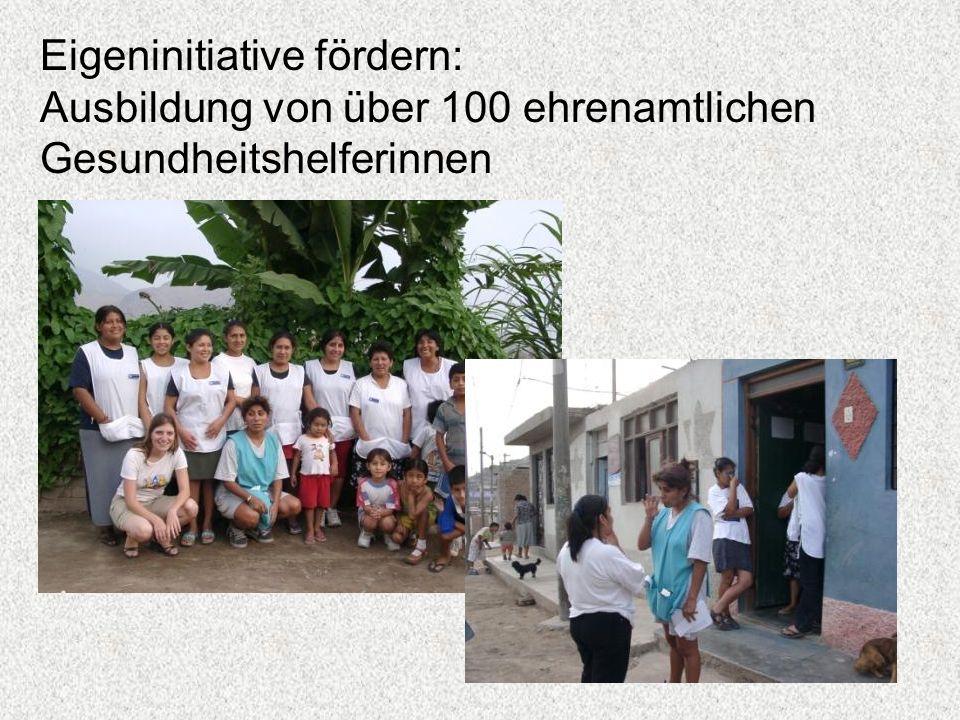 Eigeninitiative fördern: Ausbildung von über 100 ehrenamtlichen Gesundheitshelferinnen